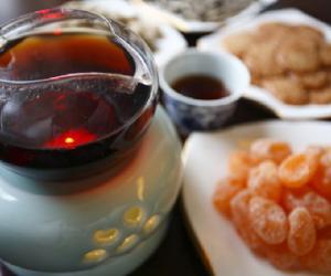 上海老弄堂 畅喝普洱茶
