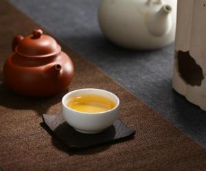 普洱茶投资分析:中期茶市场漫谈