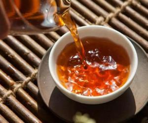 为什么熟茶总要有点焦黑和碳化?